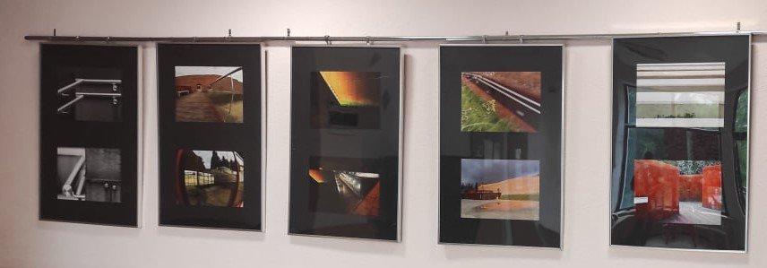 """""""Pomiędzy"""" –  wystawa fotografii"""